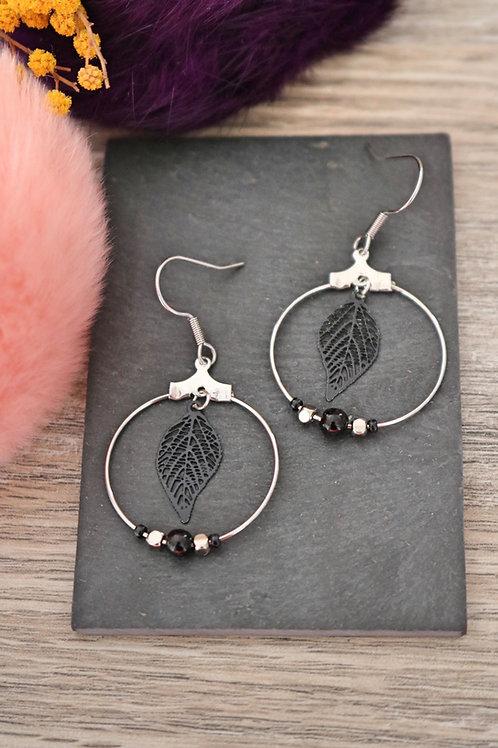 Boucles d'oreilles créoles feuilles filigranes noires attache acier inox