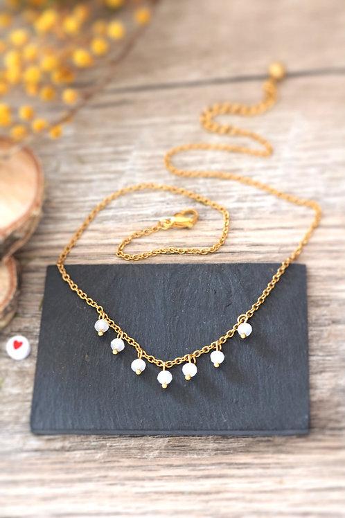 Collier tour de cou Perlita acier inoxydable doré et perles blanches