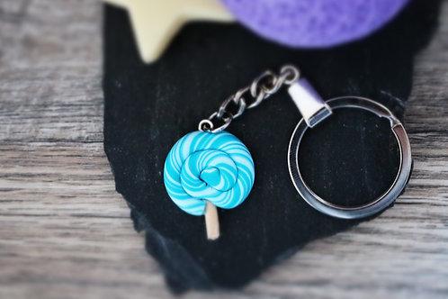 Porte clés sucette lollipop bleue fimo artisanal
