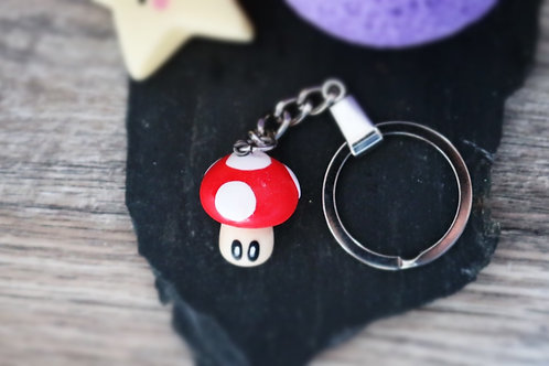 Porte clés Mario Champignon rouge fimo artisanal