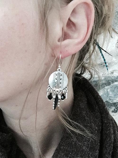 Boucles pendantes argentées et noir gypsy plume fait main crochet acier inox