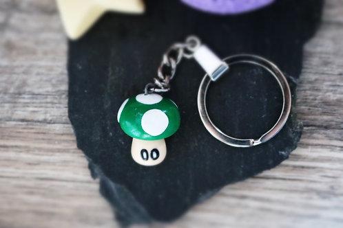 Porte clés Mario Champignon vert fimo artisanal