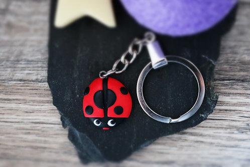 Porte clés coccinelle fimo artisanal