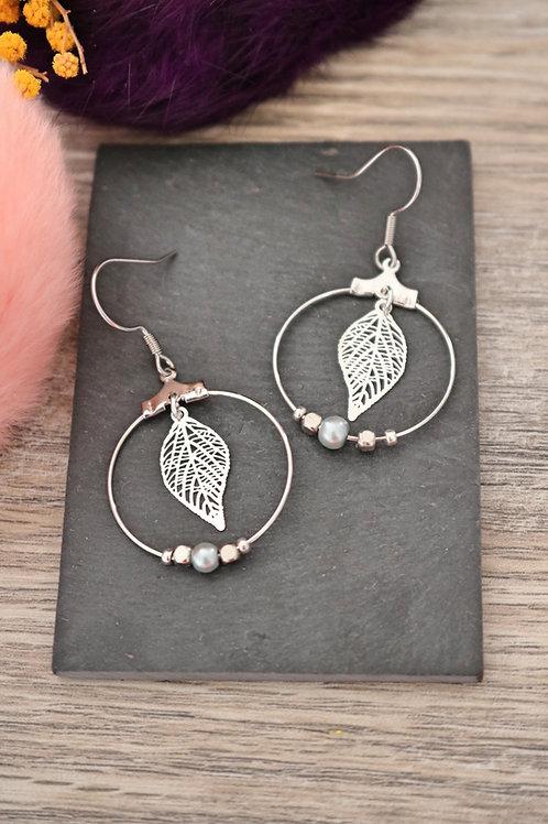Boucles d'oreilles créoles feuilles filigranes argentées attache acier inox