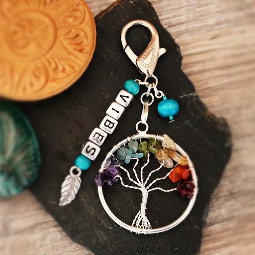 Porte clés arbre chakra pierres naturelles vibes artisanal
