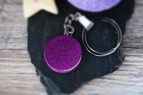 Porte clés oréo violet fimo artisanal bijou gateau