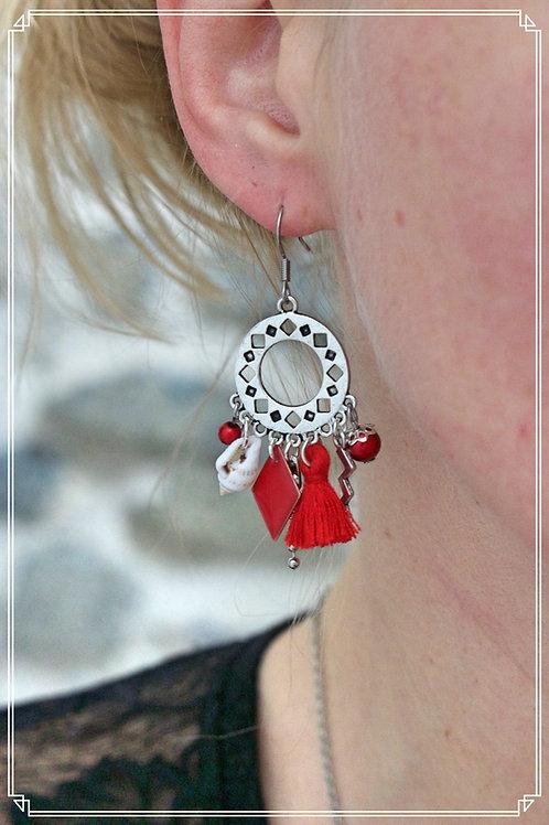 Boucles d'oreilles Anyla rouges et argentées pendantes fait main unique