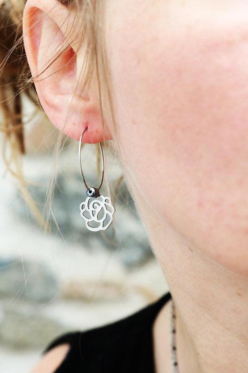 Créoles fleur rose acier inoxydable et hématite fait main anti allergies