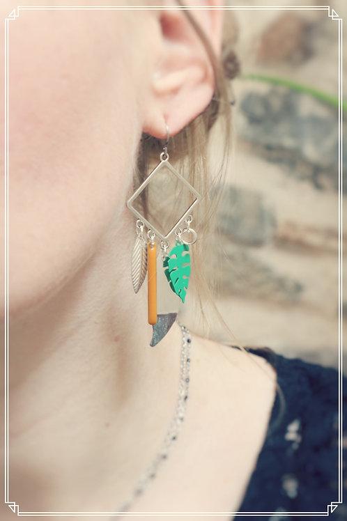 Boucles d'oreilles Talys vert, jaune, marron et argentées pendantes fait main