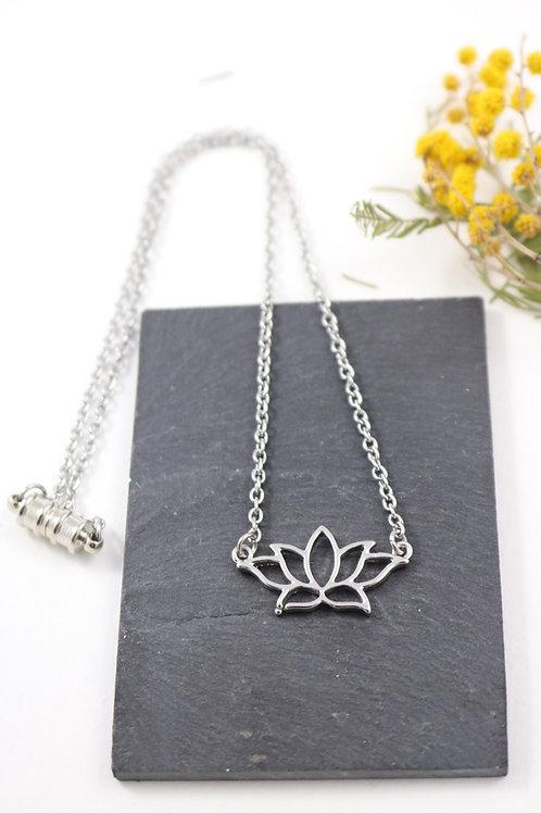 Collier aimanté lotus fleur minimaliste chaine acier inoxydable