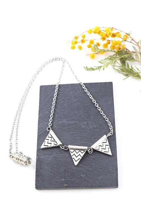 Collier aimanté trio de triangles ethnique chaine acier inoxydable fait main