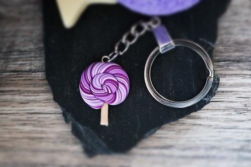 Porte clés sucette lollipop violette fimo artisanal