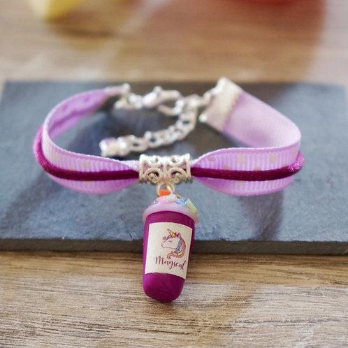 Bracelet enfant violet smoothie licorne pailleté en fimo fait main