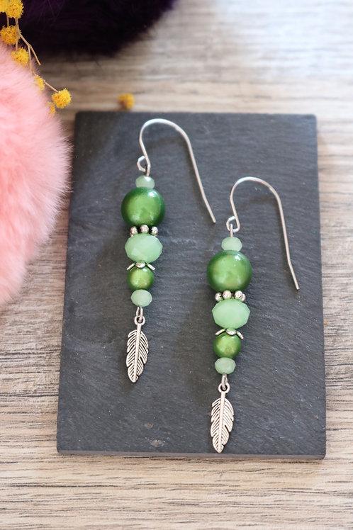 Boucles d'oreilles Nala pendantes vertes artisanales crochet