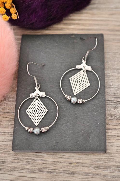 Boucles d'oreilles créoles losanges filigranes argentées attache acier inox