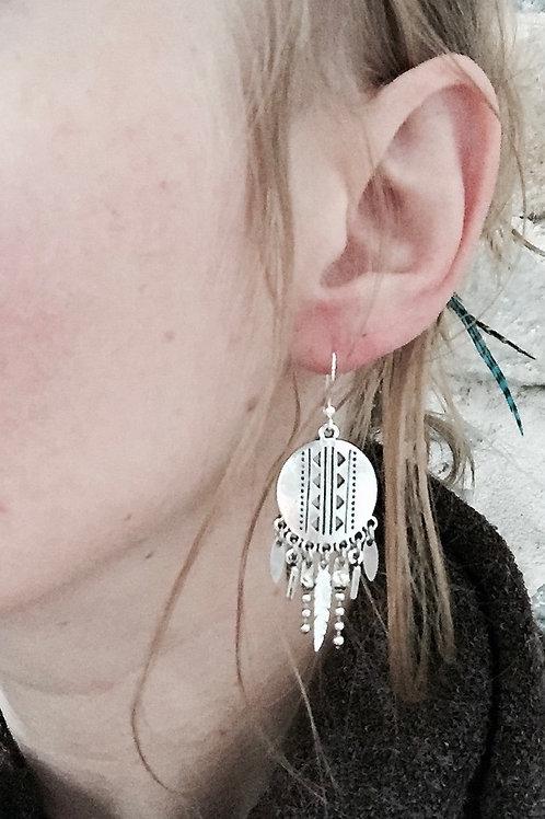 Boucles pendantes argentées gypsy plume triangle fait main crochet acier inox