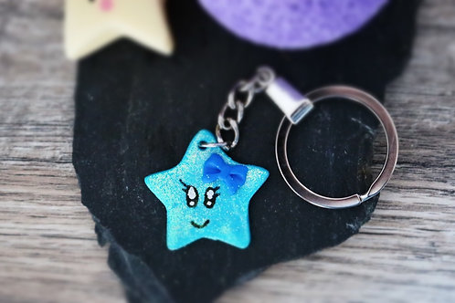 Porte clés Etoile bleue pailletée fimo artisanal