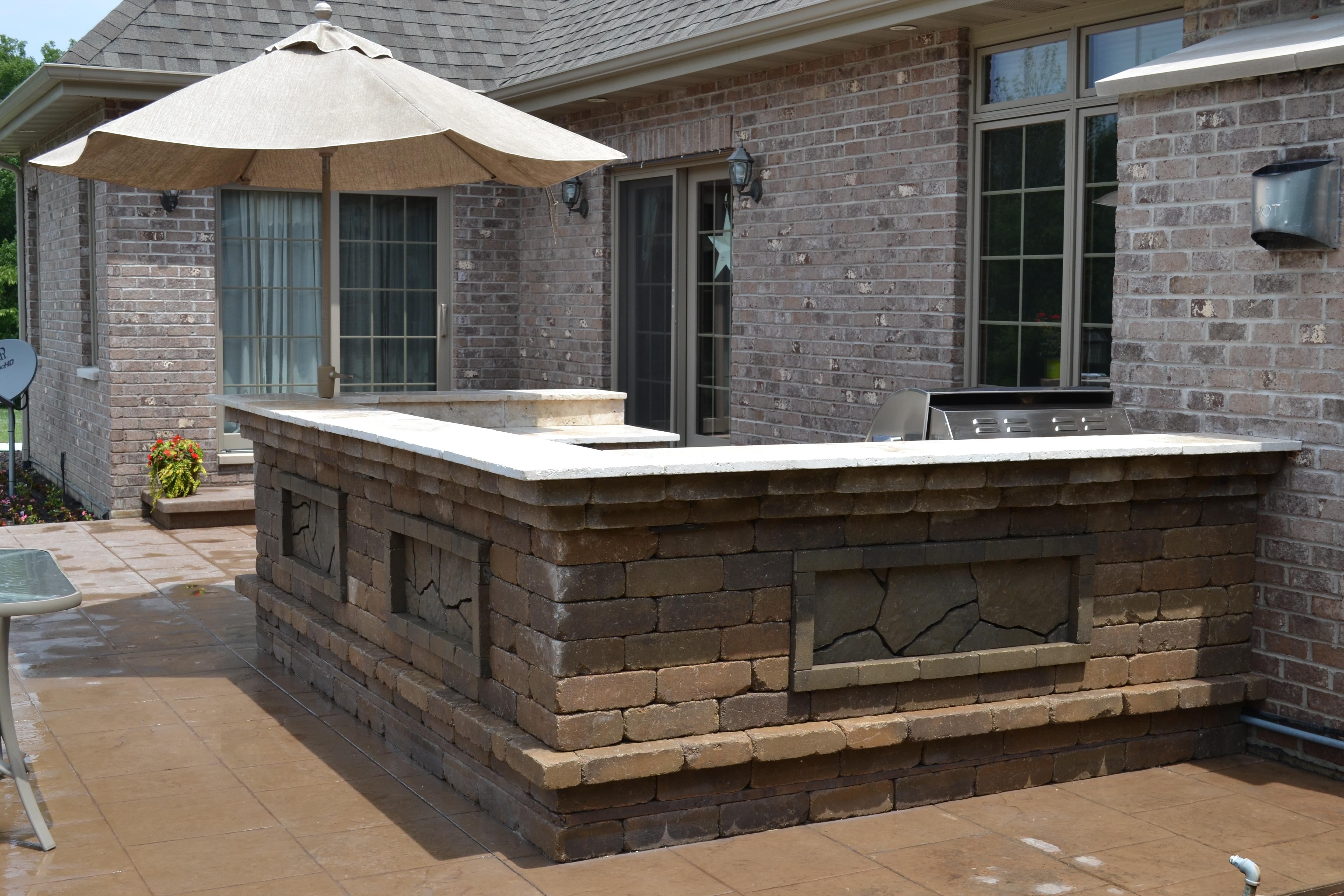 outdoor stone kitchen builder