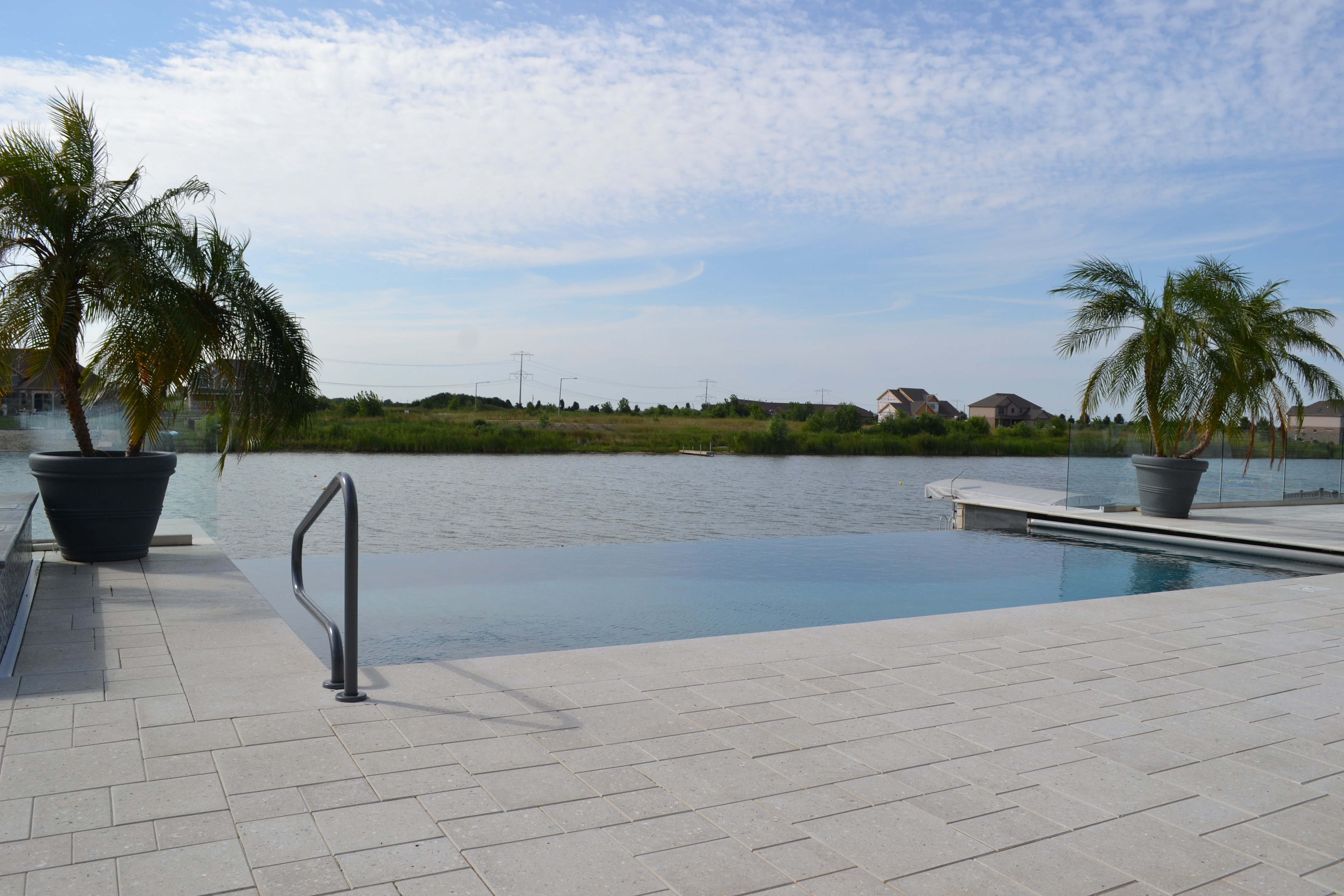 infinity edge shotcrete pool builder