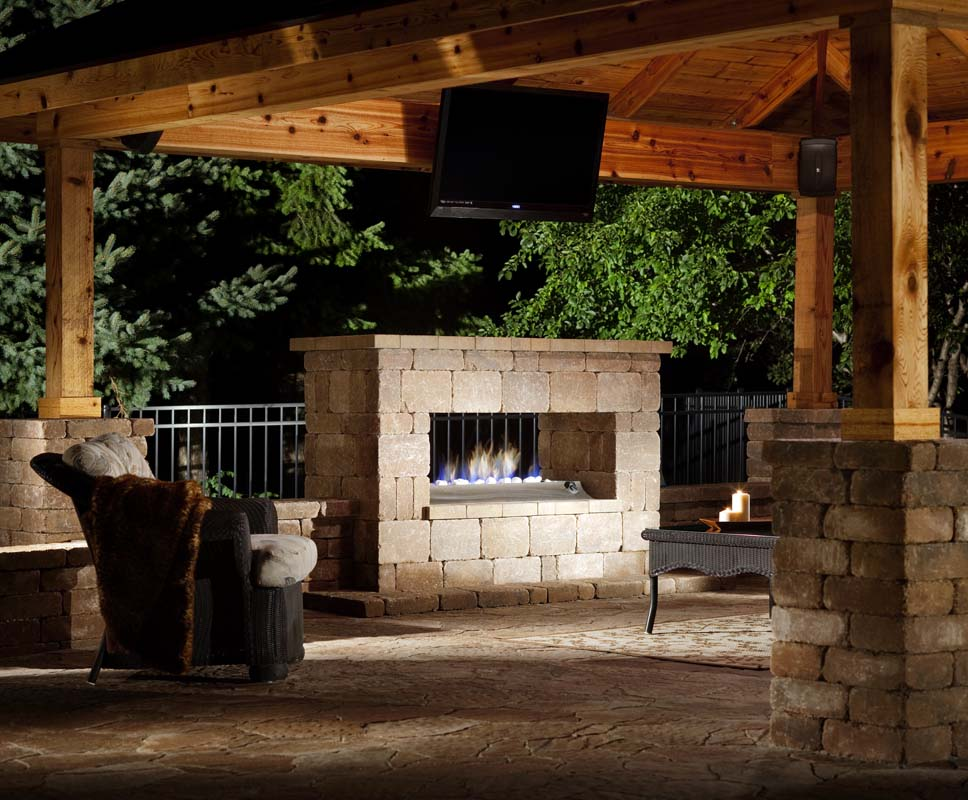 outdoor fireplace installer