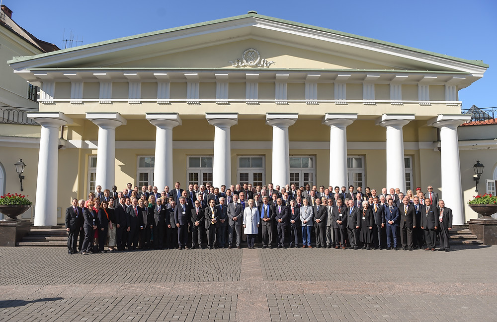 Her Excellency President Dalia Grybauskaitė with the Honorary Consuls of Lithuania at the Presidential Palace