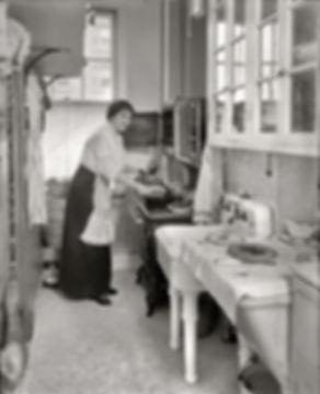 Kitchen circa 1914.jpg