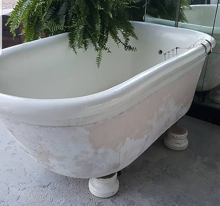 Mott tub outside.jpg