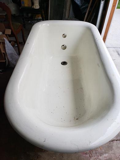 Mott tub inside.jpg