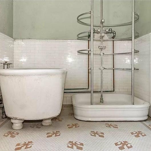1893 Bathroom Augusta Georgia House.jpg