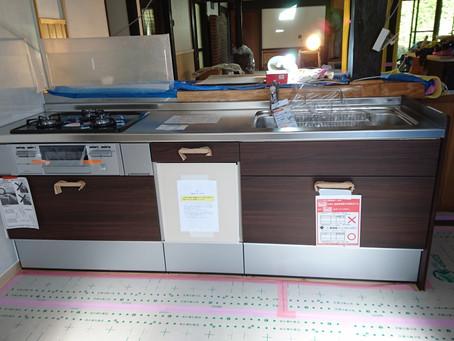 システムキッチン設置 ここにもCOVID-19の影響が・・・