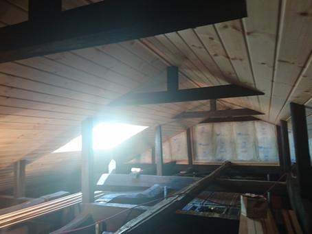 天井も貼られてコテージ風に