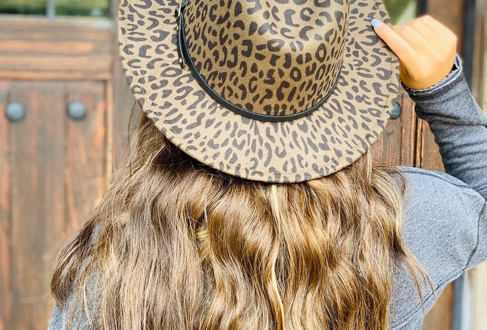 Chic On The Side Cheetah Hat in Olive