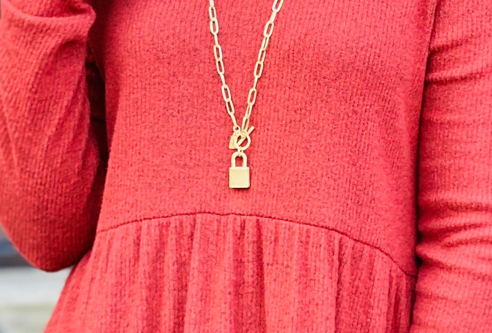Lock Me Up Necklace in Gold
