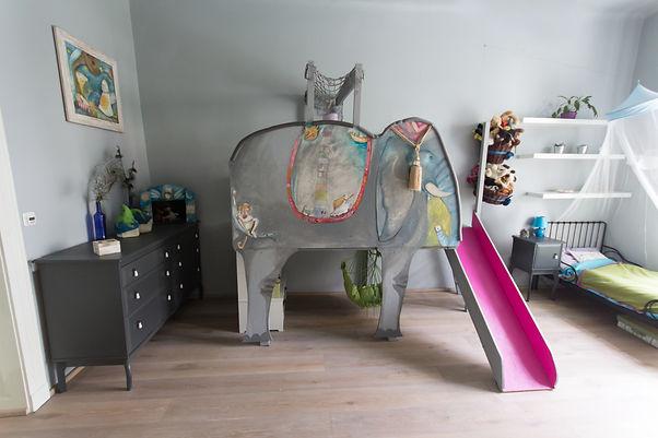 RabunaDesign, dětský pokoj slon klouzačka houpačka šedá baldachýn Micheal Bartoňová