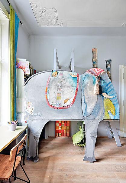 návrhy interiéru RabunaDesign dětský pokoj slon Michaela Bartoňová šedý houpačka