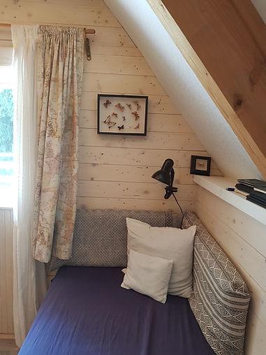 návrhy interiéru chata pohovka motýli hygge scandi