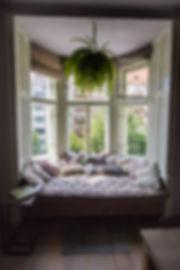RabunaDesign, sezení u okna v arkýři