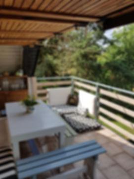návrhy interiéru balkón veranda exteriér lavice stůl matrace hygge venkovní terasa