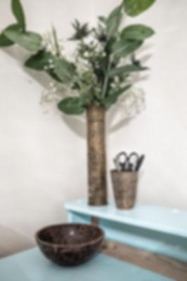interior design czech prague brass accessories decoration floral desk home office turquise eucalyptus
