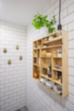 interior design czech prague white bathroom wooden acessories subway tiles styling decoration medalions scandi nordic