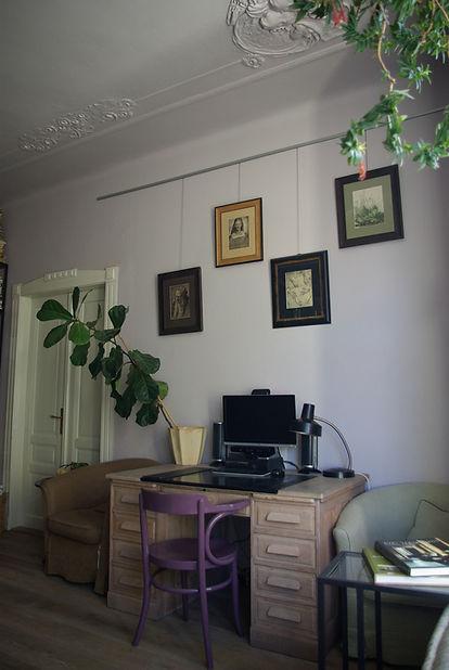RabunaDesign vinatge staré rytiny obývací pokoj psací stůl