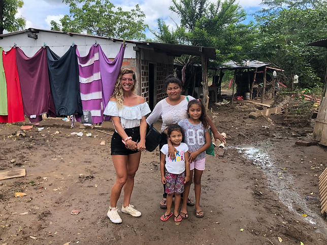 aide-famille-popoyo-ouragan-iota.jpg