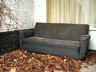 old-sofa-1479183.jpg