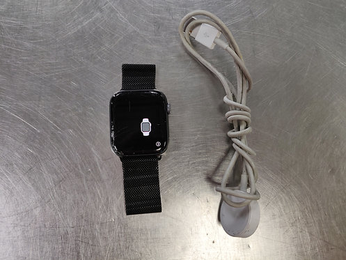 Apple Watch Series 4 with Charger - Cracked Screen