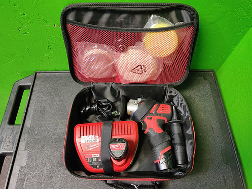 Milwaukee - 2438-20 - Variable Speed Polisher/Sander 2 Batteries & Charger