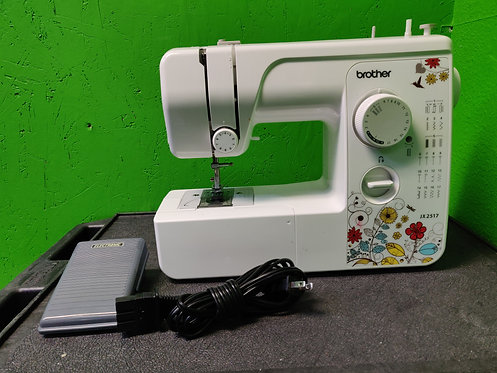 Brother - JX2517 - Sewing Machine in Case With Pedal - Cedar City