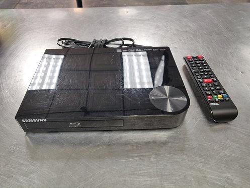 Samsung BD-E5400 Smart WiFi Blu Ray Player with Remote