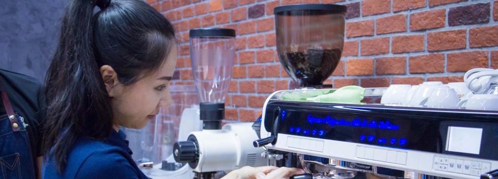 Training เครื่องชงกาแฟ Faema Teorema