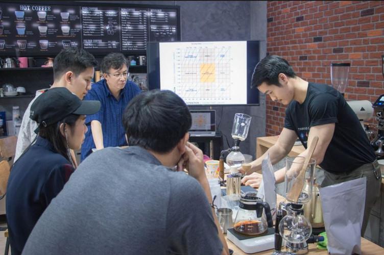 เรียนชงกาแฟดริป  วิธีชงกาแฟดริป กาแฟไซฟ่อน Specialty Coffee