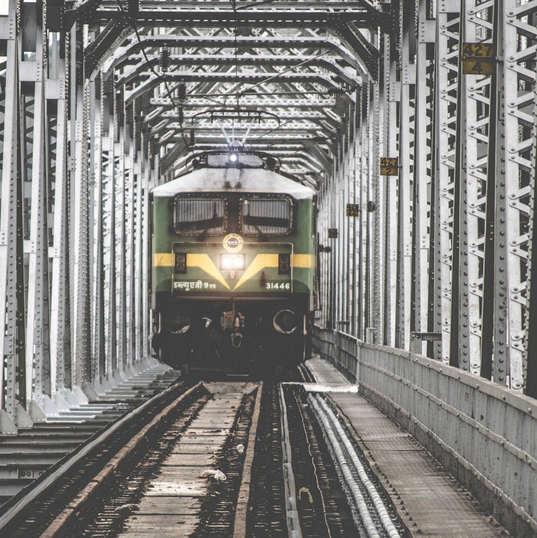 train-1209291_1920.jpg